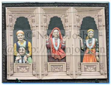 Mural Wall Art-Uttarakhandi Ladies, Nainital